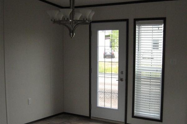 1372-dining-room-w-cottage-door-option-min9A227772-E93B-B68F-6333-44CE1D996A3A.jpg